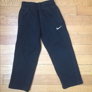 Nike sweatpants with pockets black size 3T boys